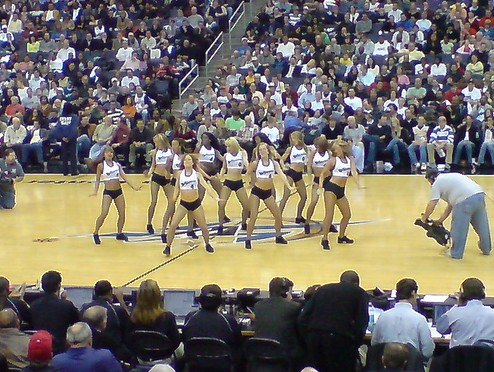 wizards-cheerleaders.jpg